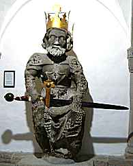 Statue of Charlemagne in Zurich's Grossm�nster Abbey